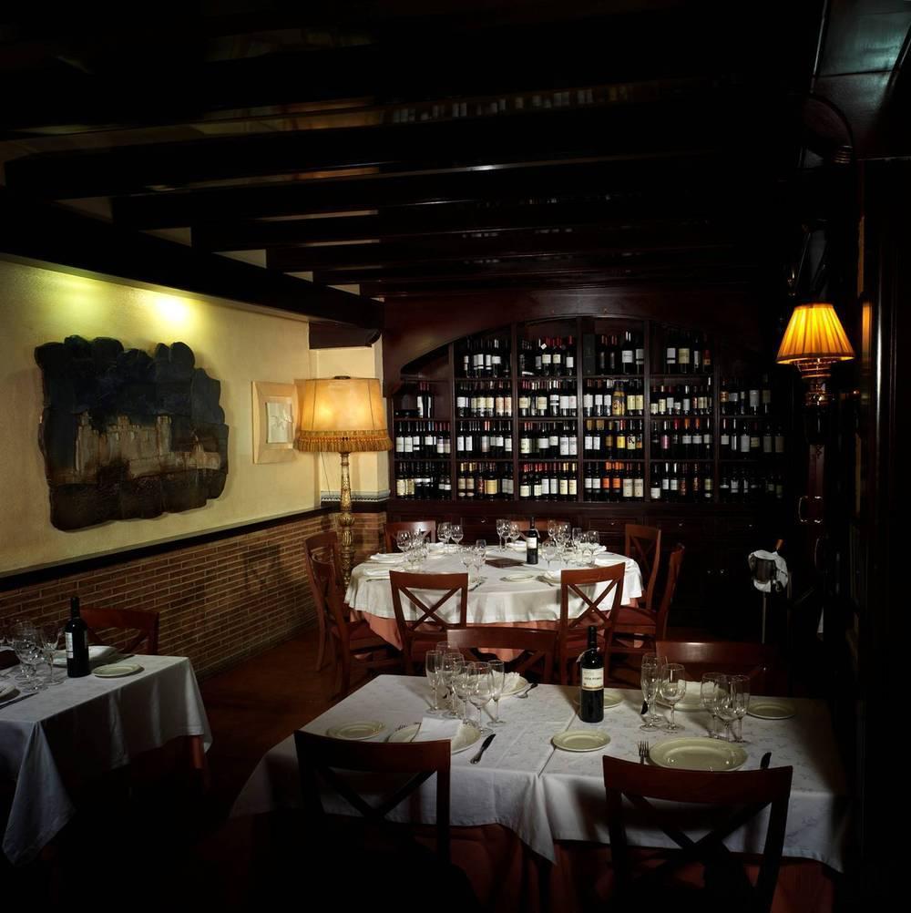 restaurante-castillo-de-javier-restaurantes-comida-casera-en-salou-provincia-de-tarragona_805a0b3763e8bc5abbfcc6b6c4f89ac0_1000_free