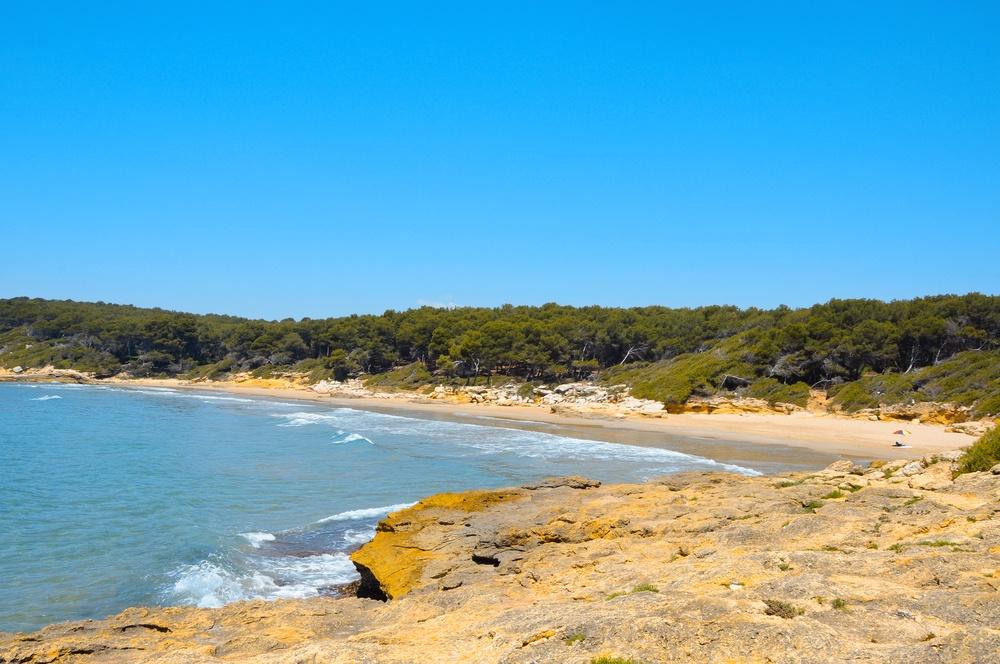 playa roca plana en Tarragona