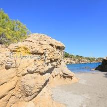 arena blanca y fina de la playa del illot