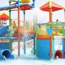 zona-infantil-aquopolis-la-pineda-3