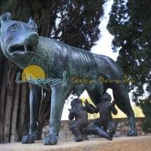 Esculturas en el paseo arqueologico de las murallas de Tarragona