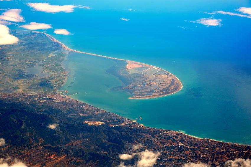 Vista aerea del Delta del Ebro y desembocadura del Delta del Ebro