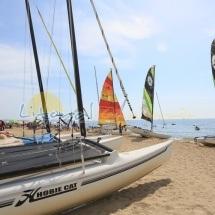 Barcos de alquiler en la playa del Esquirol de Cambrils