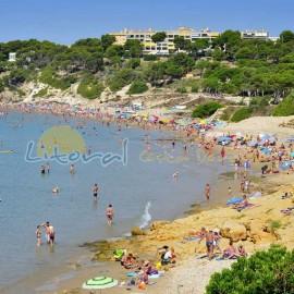 Playa Larga de Salou durante el verano